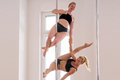 Pole Dance Kurse - Duo Pole Dance - Berlin