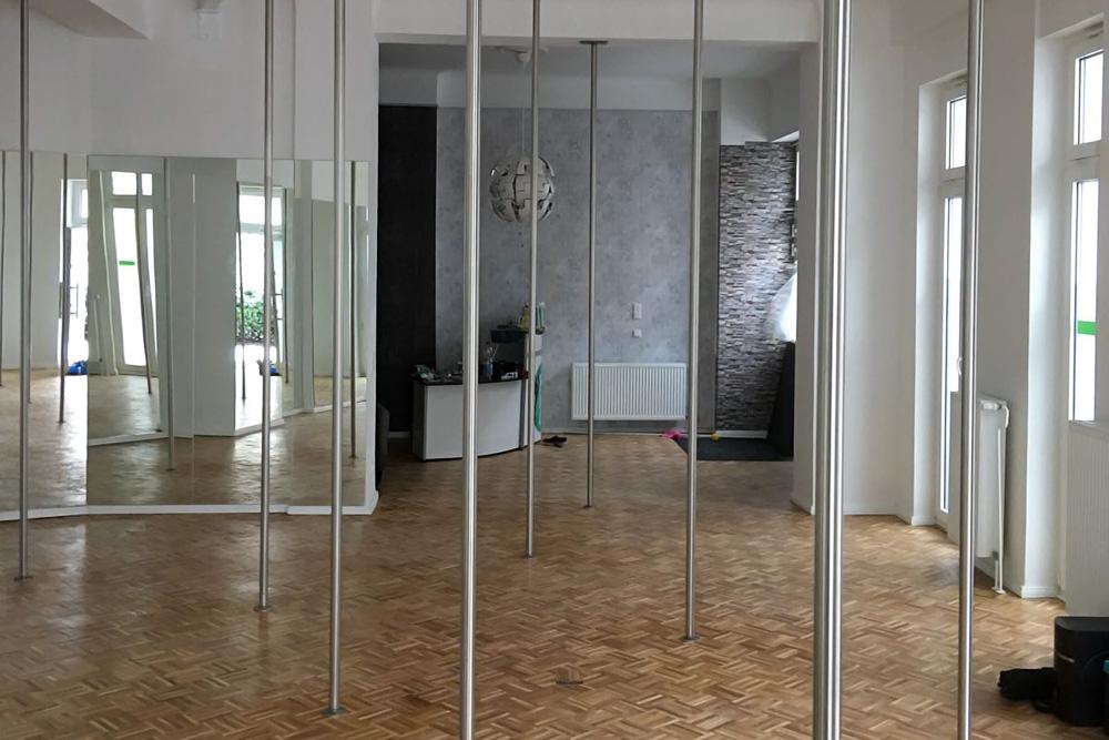 pole dance studio mieten in berlin poledance 4 you. Black Bedroom Furniture Sets. Home Design Ideas